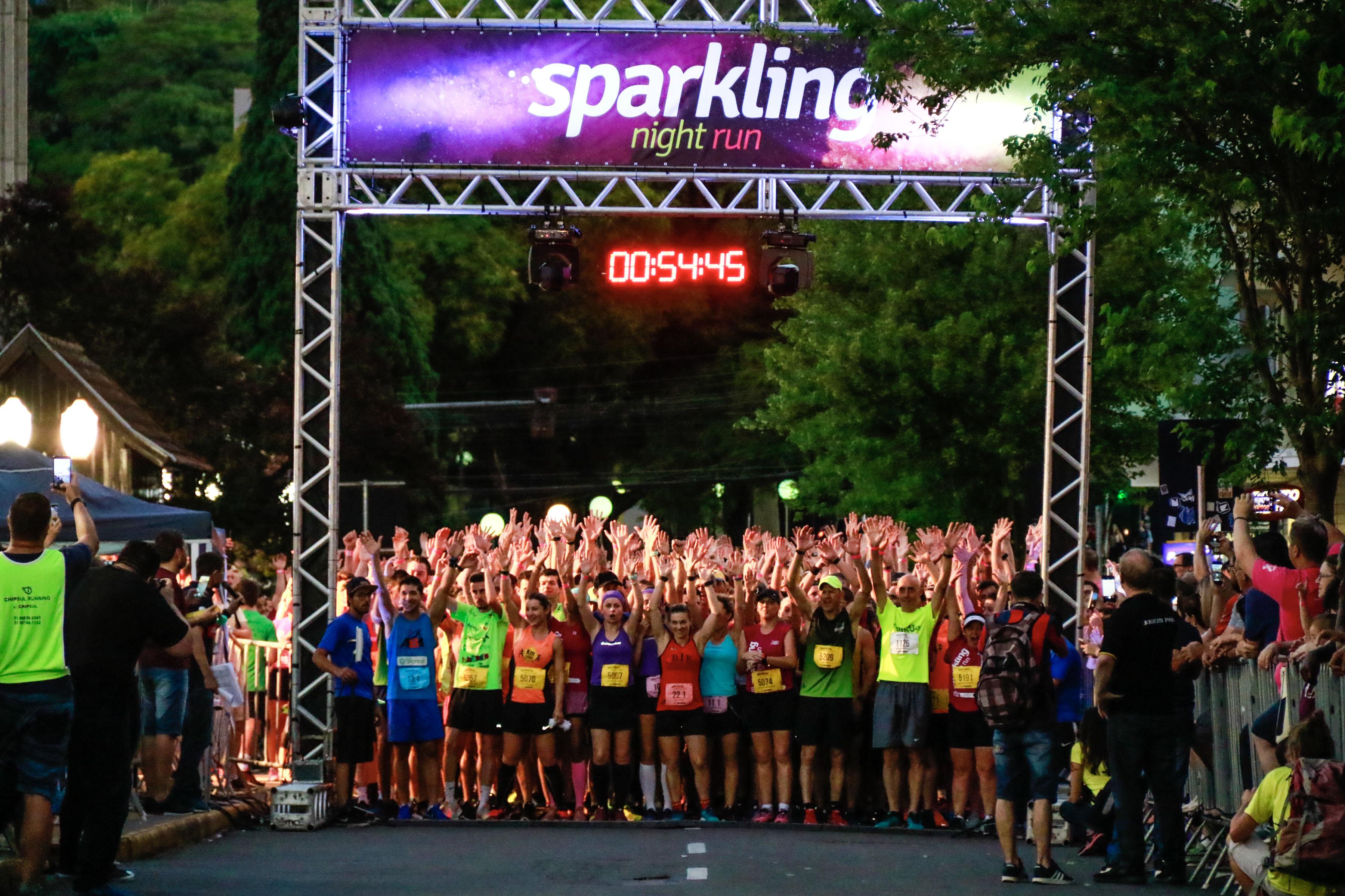 Sparkling Night Run ocorre neste sábado: saiba as orientações para os atletas e o que muda no trânsito